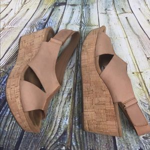 Clark's Artisan Tan Wedge Size 8.5